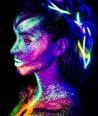 Šviečiančių UV, dažų - blizgesių pieštukas veidui, kūnui